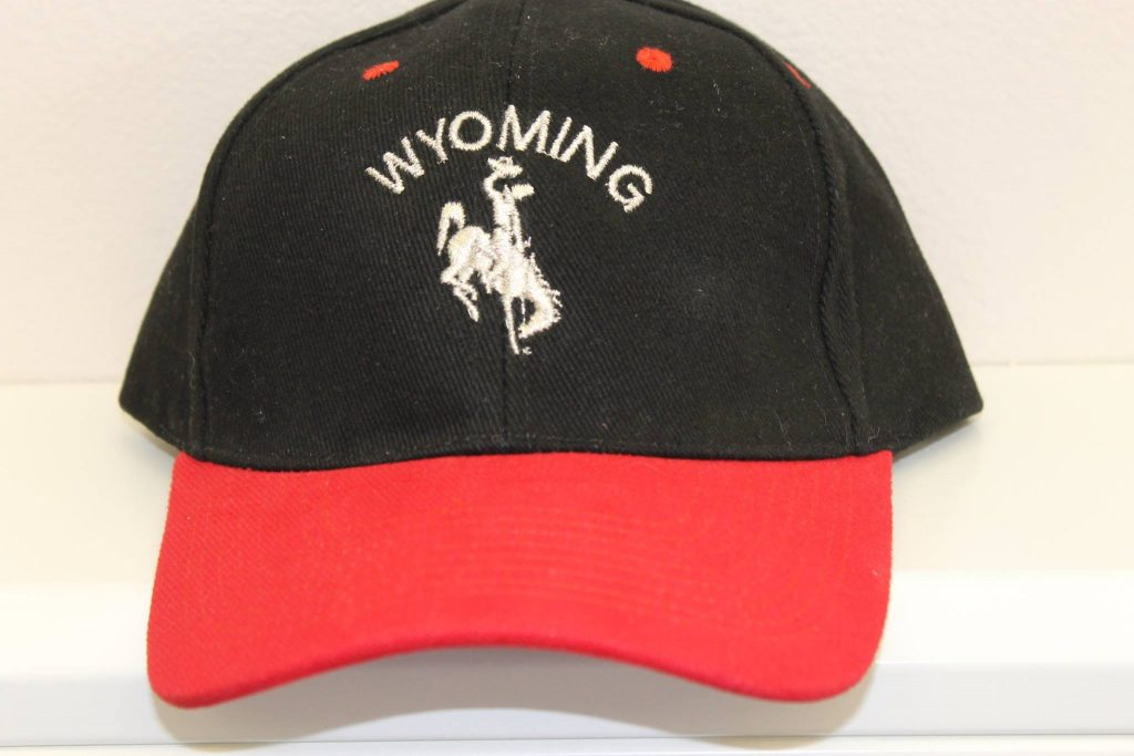 Wyoming Cap Black Red